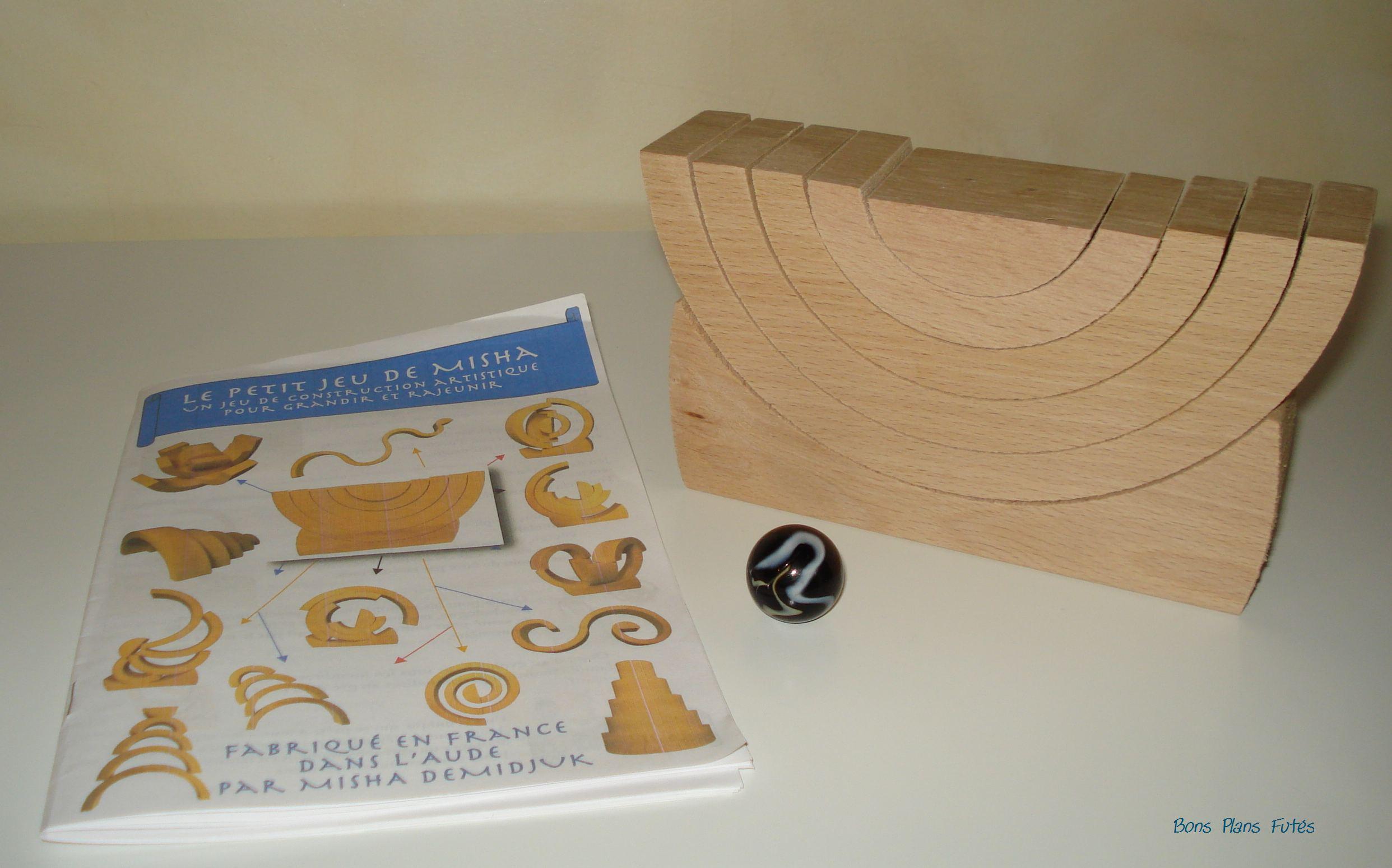 jeu de construction en bois misha test jeux bons plans fut s. Black Bedroom Furniture Sets. Home Design Ideas